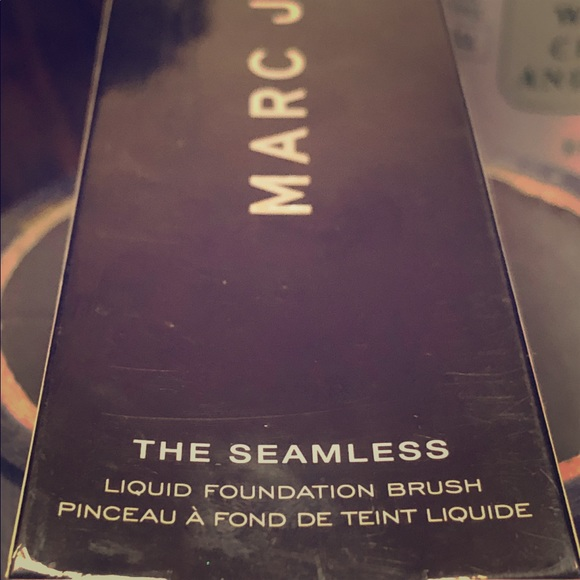Marc Jacobs Other - MARC JACOBS The Seamless #4 Foundation Brush, NIB